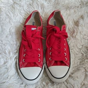 Men's Red classic low top converse 8.5